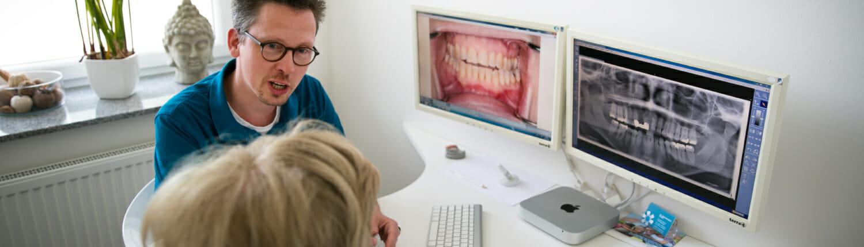 Zahnärztliche Beratung in einer vertrauensvollen und entspannten Atmosphäre in unserer Zahnarztpraxis in Waiblingen